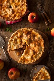 picture of crust  - Fresh Homemade Apple Pie with a Flakey Crust - JPG