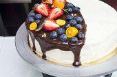 image of kumquat  - Cake with strawberries - JPG