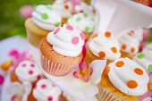 pic of cupcakes  - Wedding cupcakes on a platter - JPG