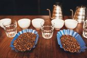 ������, ������: Roasted coffee beans with cups ready for a tasting
