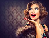 picture of classic art  - Retro Woman Portrait - JPG