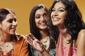foto of three sisters  - Portrait of three women smiling - JPG