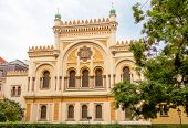 picture of synagogue  - Facade of Spanish Synagogue - JPG