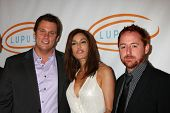 LOS ANGELES - MAY 12:  Bob Guiney, Teri Hatcher, Scott Grimes arriving at the 11th Annual Lupus LA O