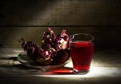 picture of pomegranate  - Still life with pomegranate and pomegranate juice - JPG