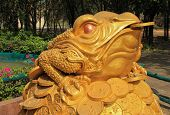 picture of curio  - Feng Shui Frog Hold Coin In The Mouth Sitting On Money Mound - JPG