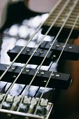 foto of pick up  - black bass guitar close - JPG