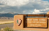 Great Sand Dunes National Park Zeichen
