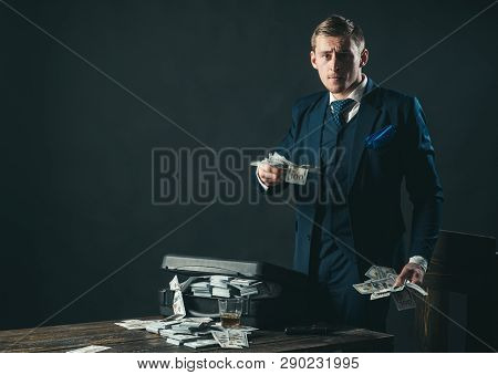 Money Transaction Businessman Work In