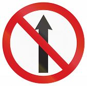 picture of traffic rules  - An Argentinian traffic sign - JPG