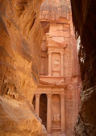 foto of treasury  - Al Khazneh or The Treasury at Petra Jordan - JPG