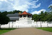 pic of vihara  - Sri Lanka - JPG