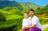 picture of cameron highland  - family portrait on tea plantation Cameron Highlands - JPG