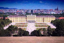 picture of schoenbrunn  - Schoenbrunn Palace in Vienna Austria - JPG