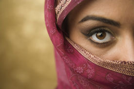picture of burka  - Middle Eastern woman wearing face covering - JPG
