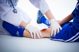image of knee  - Youth soccer player - JPG