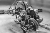 pic of bearings  - Large gears reducer petroleum rocking - JPG