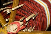 pic of handloom  - a the old loom in china  - JPG