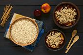 Постер, плакат: Raw Rolled Oats with Fruit Crumbles