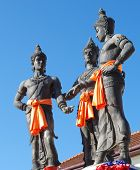 foto of three kings  - Semi profile of the Three Kings Monument in Chiang Mai - JPG