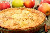 Постер, плакат: Домашний яблочный пирог крупным планом