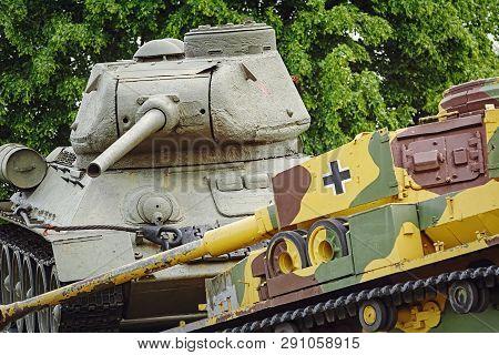 Soviet Tank Beats German One