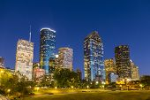 Vista sobre Downtown Houston por noite