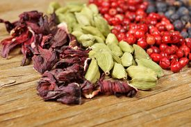picture of cardamom  - a pile of dried hibiscus flowers - JPG