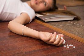 picture of overdose  - Crime scene simulation - JPG