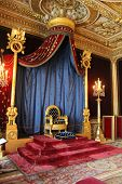 pic of throne  - Fontainebleau - JPG