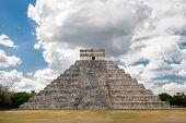 picture of mayan  - El Castillo  - JPG