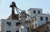 foto of yesteryear  - Large abandoned old grain mill of yesteryear - JPG