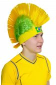 pic of iroquois  - Brazilian football fan headdress Indian tribe Iroquois - JPG