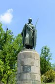 pic of dom  - Statue of Dom Afonso Henriques  - JPG