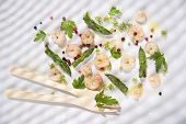 pic of norway lobster  - Presentation of a second dish of shrimp and asparagus tips - JPG