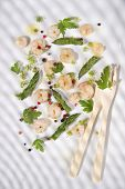 image of norway lobster  - Presentation of a second dish of shrimp and asparagus tips - JPG