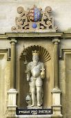 Постер, плакат: Кембриджский университет Тринити колледж статуя короля Эдуарда III основатель XIV века
