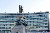 Постер, плакат: Статуя отремонтированы царя Александра II в России