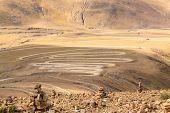 pic of sherpa  - Highway at the Pangla pass near Lhasa - JPG