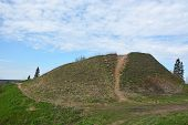 picture of prophets  - Burial mound - JPG