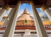 Wat Phra Pathom Chedi), Nakhon Pathom, Nakhon Pathom Province. The Legendary Shrine kong Khao Noi K poster