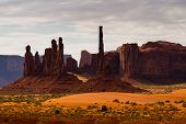 pic of indian totem pole  - Late afternoon at Totem Pole Monument Valley - JPG
