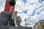 pic of godly  - Antique statue of the Greek God of the Spit of Vasilievsky island - JPG