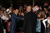 LOS ANGELES - NOV 14:  Taylor Lautner signing autographs  at the