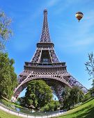 picture of arch foot  - Eiffel Tower - JPG