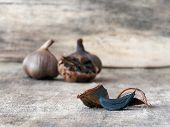 pic of fermentation  - Black garlic caused by a fermentation process of several weeks - JPG