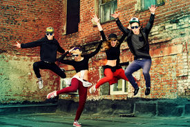 foto of  dancer  - Modern dancers dancing on the street - JPG