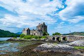 picture of castle  - Most famous castle in Scotland - JPG