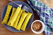 picture of filipino  - Photo of Filipino food delicacy called suman - JPG