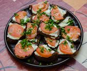 picture of tomato sandwich  - A plate with many tomato - JPG